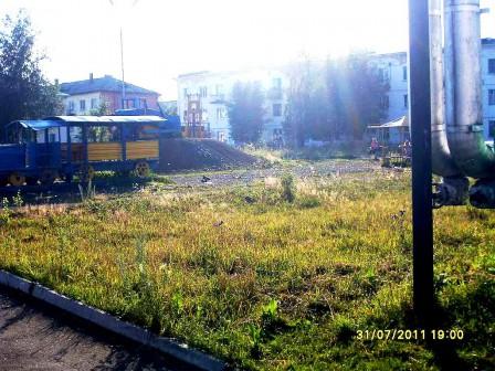 Детская площадка на берёзовке