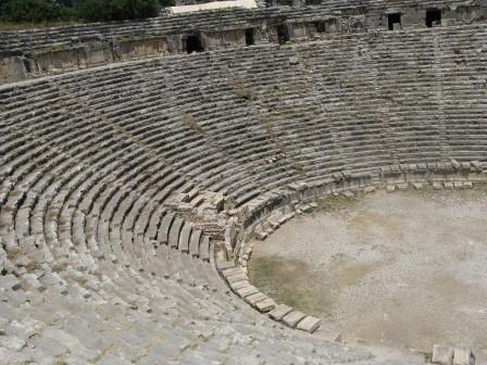 Греко-римский театр в Демре Турция
